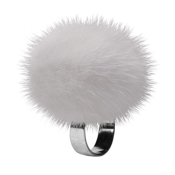 noemi prsten s bielou norkou